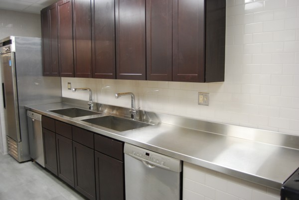 Custom metal home stainless steel countertops for Stainless steel countertop with integral sink